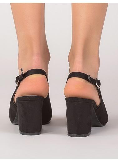 Mecrea Kalın Topuklu Sandalet Siyah